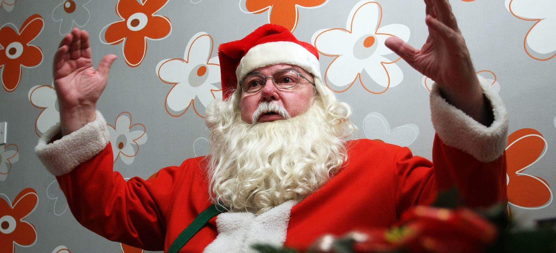 VIDEO: Djed božićnjak 'proletio' iznad Montreuxa