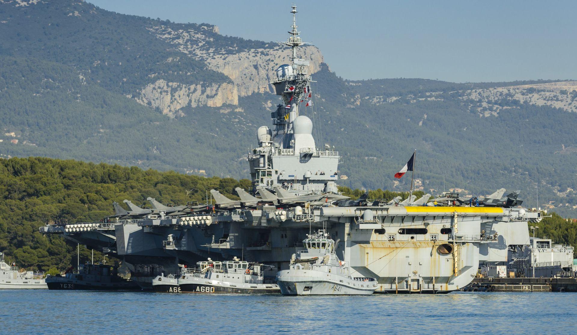 Francuski nosač zrakoplova Charles de Gaulle zaplovio prema Perzijskom zaljevu