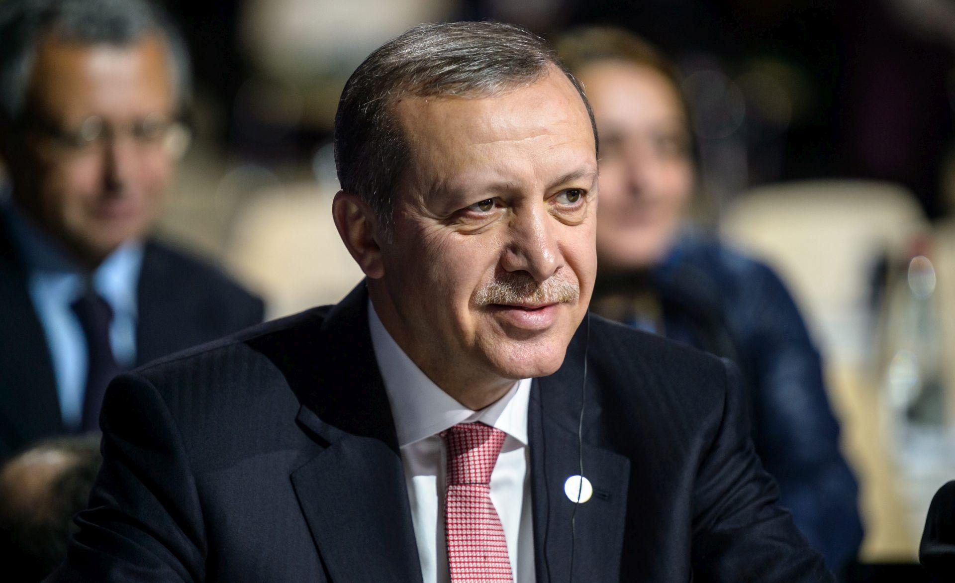 Erdogan tvrdi da ima dokaze o umiješanosti Rusije u trgovinu naftom s IS-om