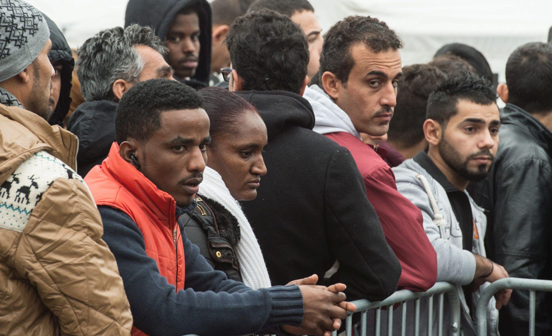 Do Božića preko milijun izbjeglica u Njemačkoj