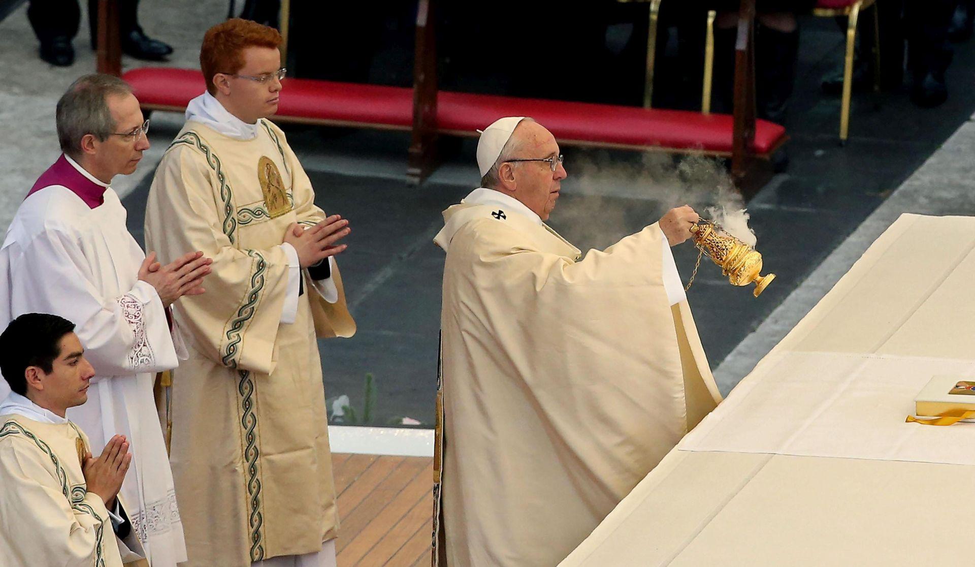 Papa Franjo otpočeo Svetu godinu