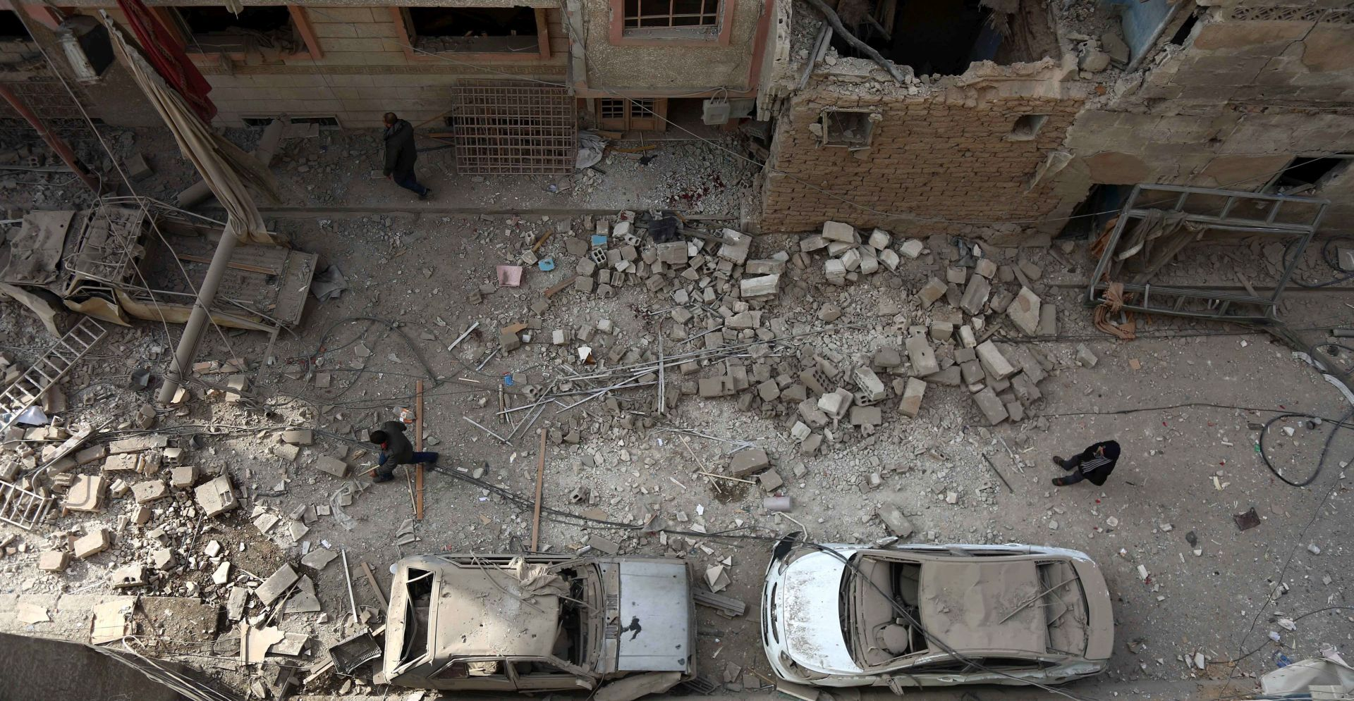 VIDEO: ZRAČNI NAPAD U SIRIJI Ubijeno najmanje 28 civila, među njima i učenici pogođene škole