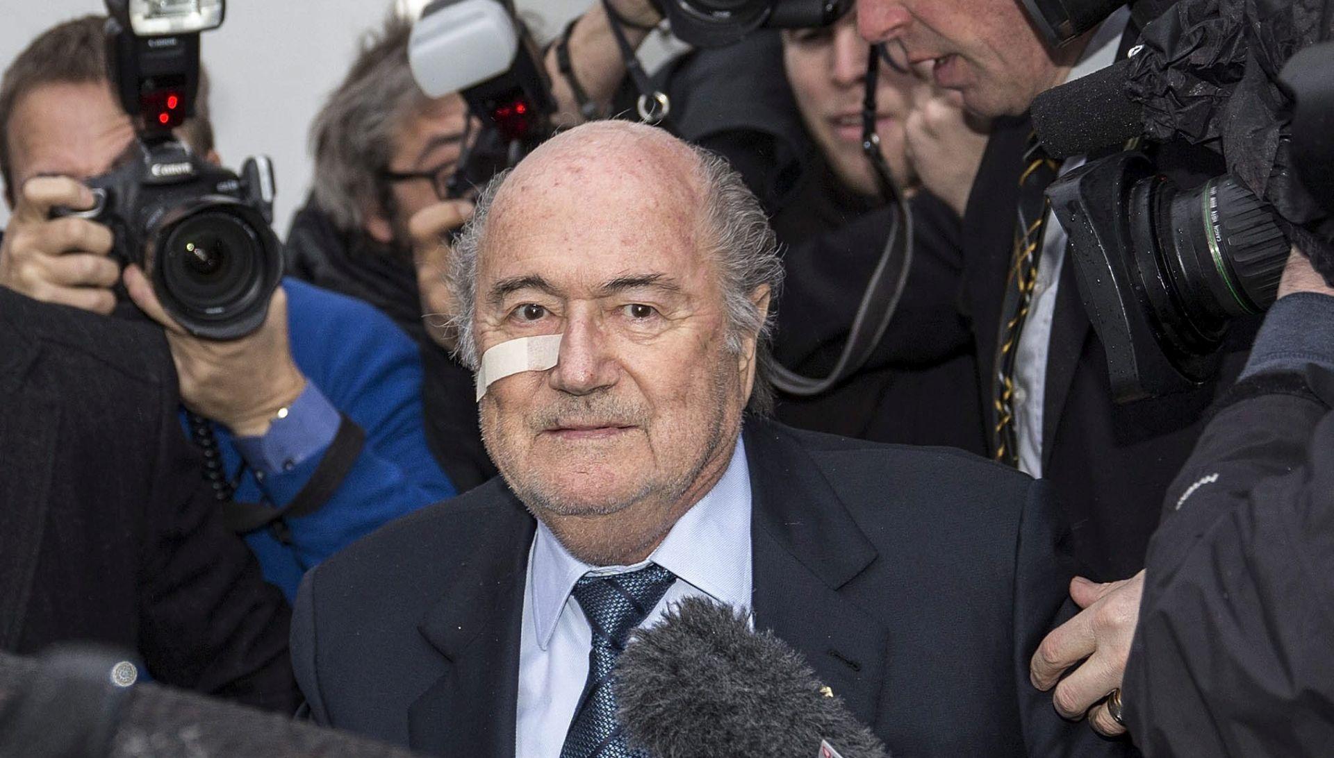 "BLATTER ""FIFA me napustila, od sada se borim samo za sebe i svoju čast"""