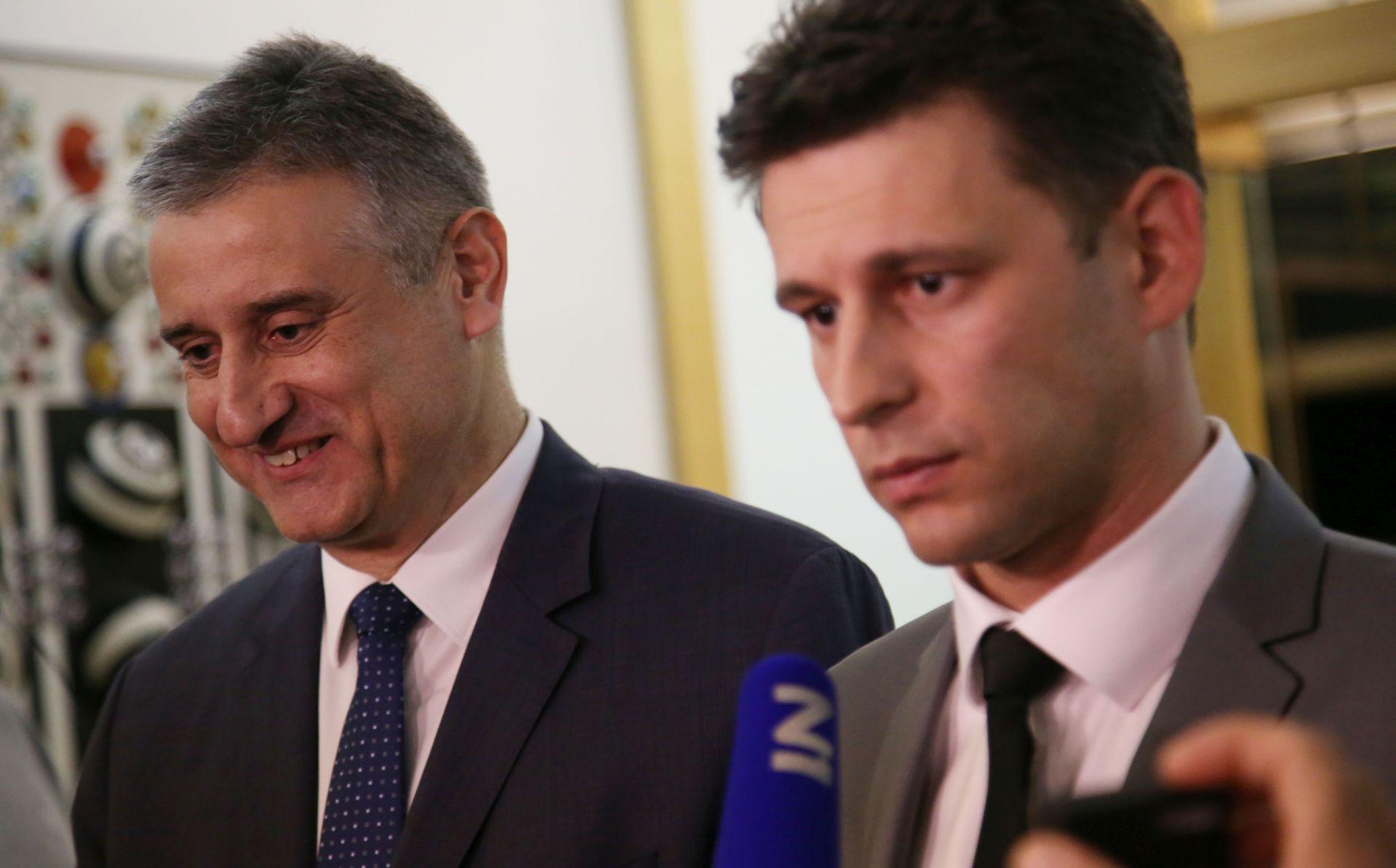 NASTAVAK KONZULTACIJA NA PANTOVČAKU Karamarko i Petrov: Predsjednici smo pokazali da imamo 78 potpisa