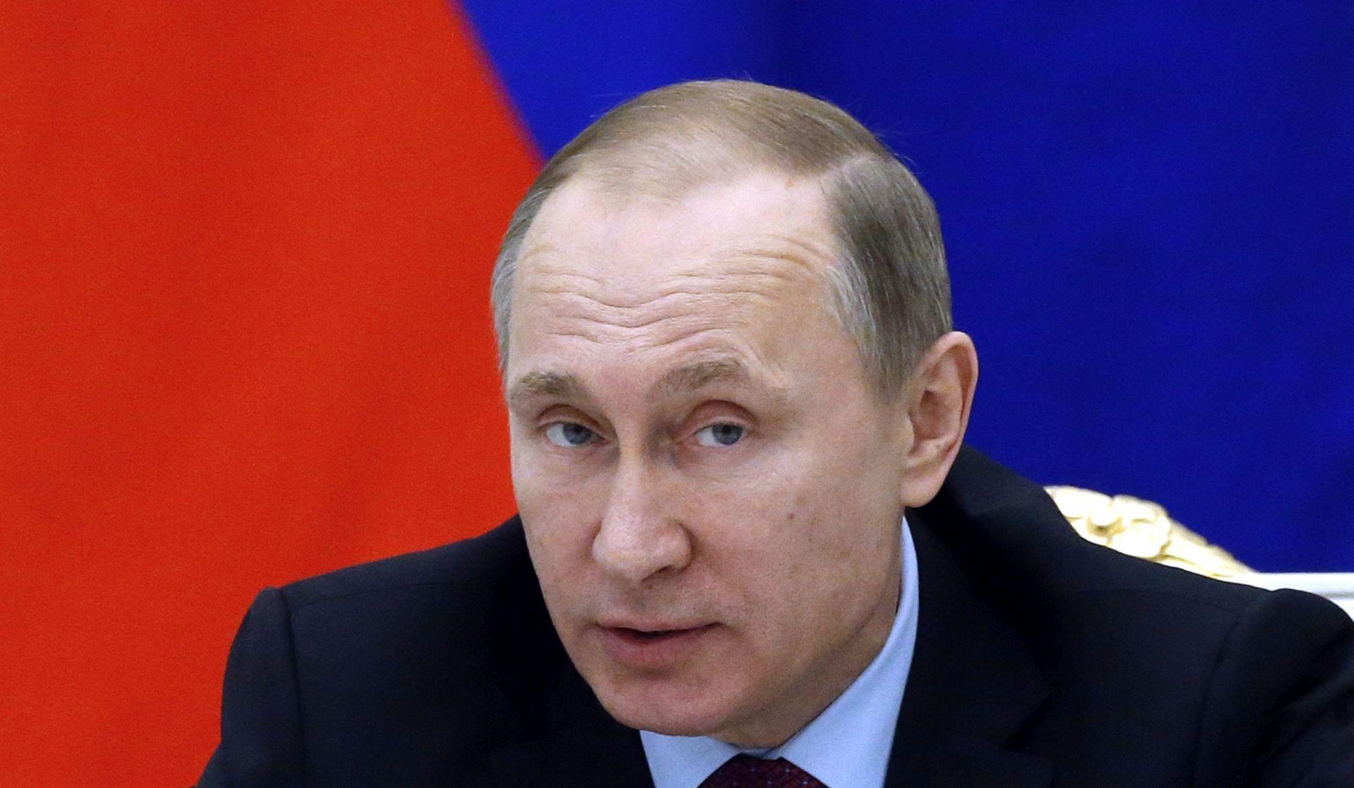Putin u novogodišnjoj čestitki zahvalio ruskim vojnicima na borbi protiv terorizma