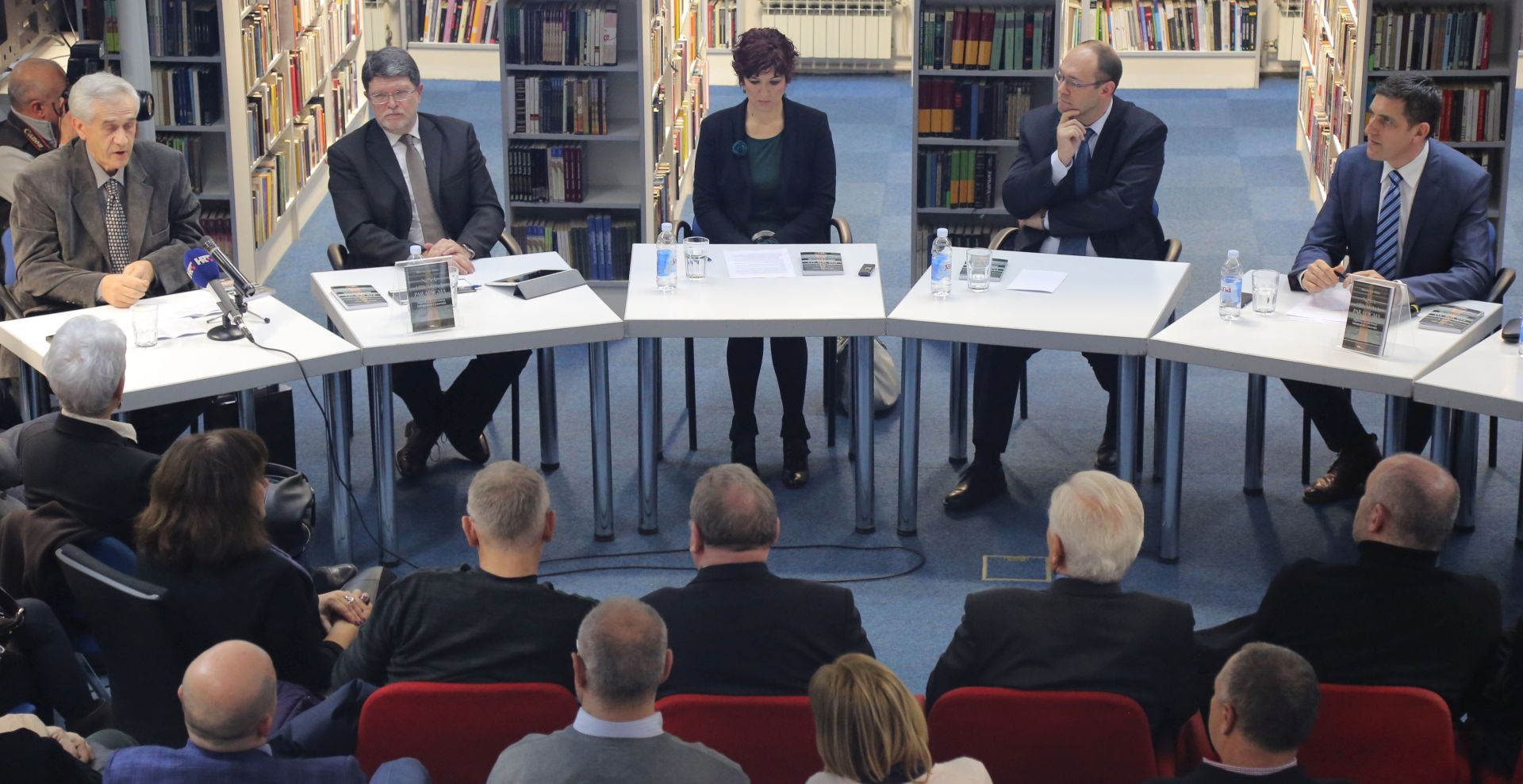 """""""NOVA HRVATSKA PARADIGMA"""": Predstavljena knjiga Davora Ive Stiera"""