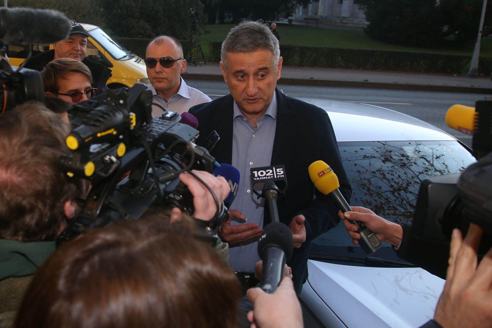PRIJE POČETKA SJEDNICE Karamarko: Ne bih potpisao prijedlog Mosta o tripartitnoj vladi