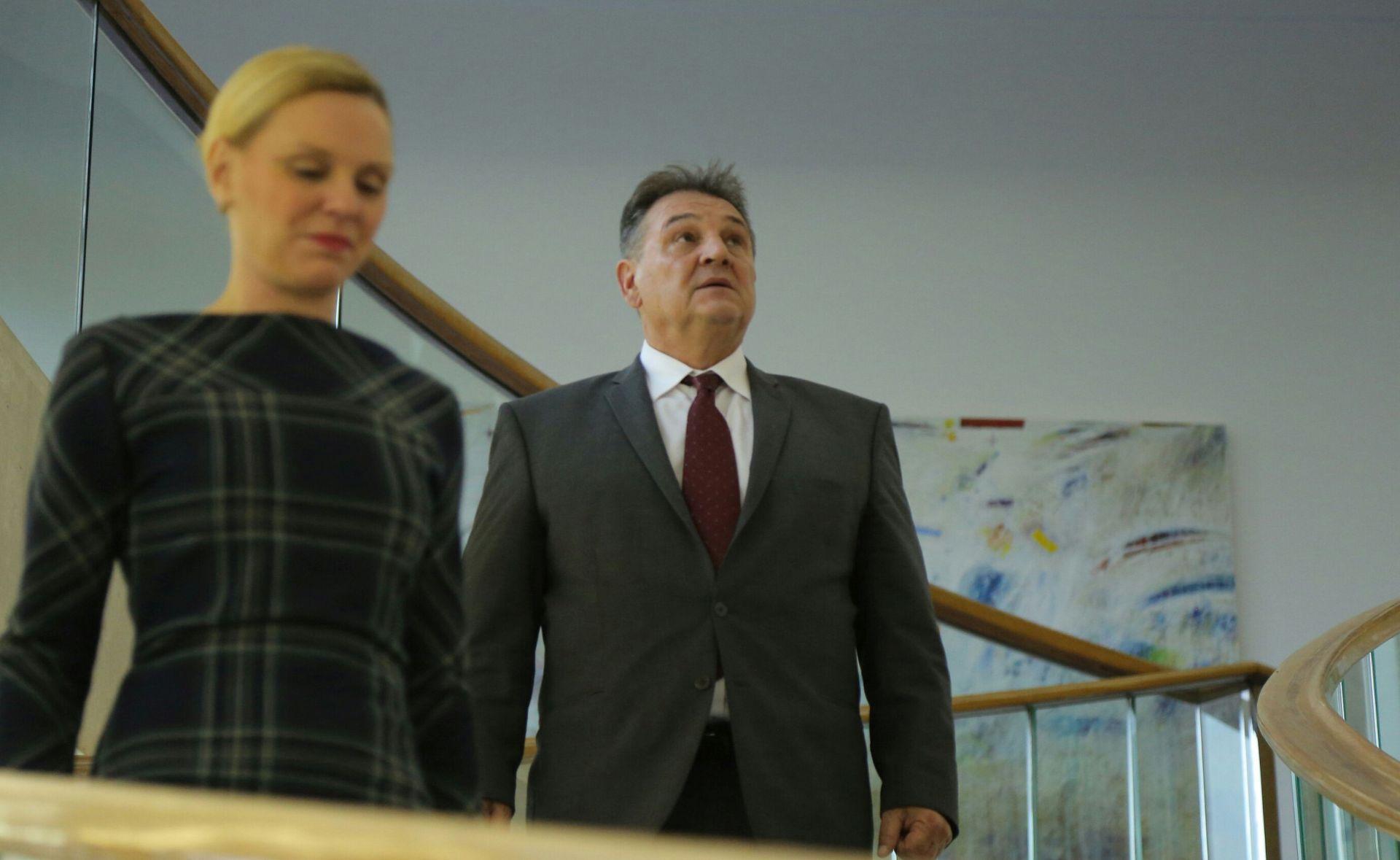 HDSSB I HRID NEODLUČNI: Čačić uz SDP, Bandić uz one koji će provesti reforme