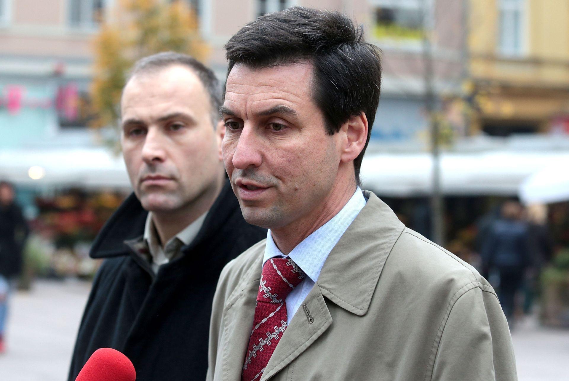 SUKOBI UNUTAR KOALICIJE: Hrast odbio potpisati zahtjev za opoziv Oreškovića