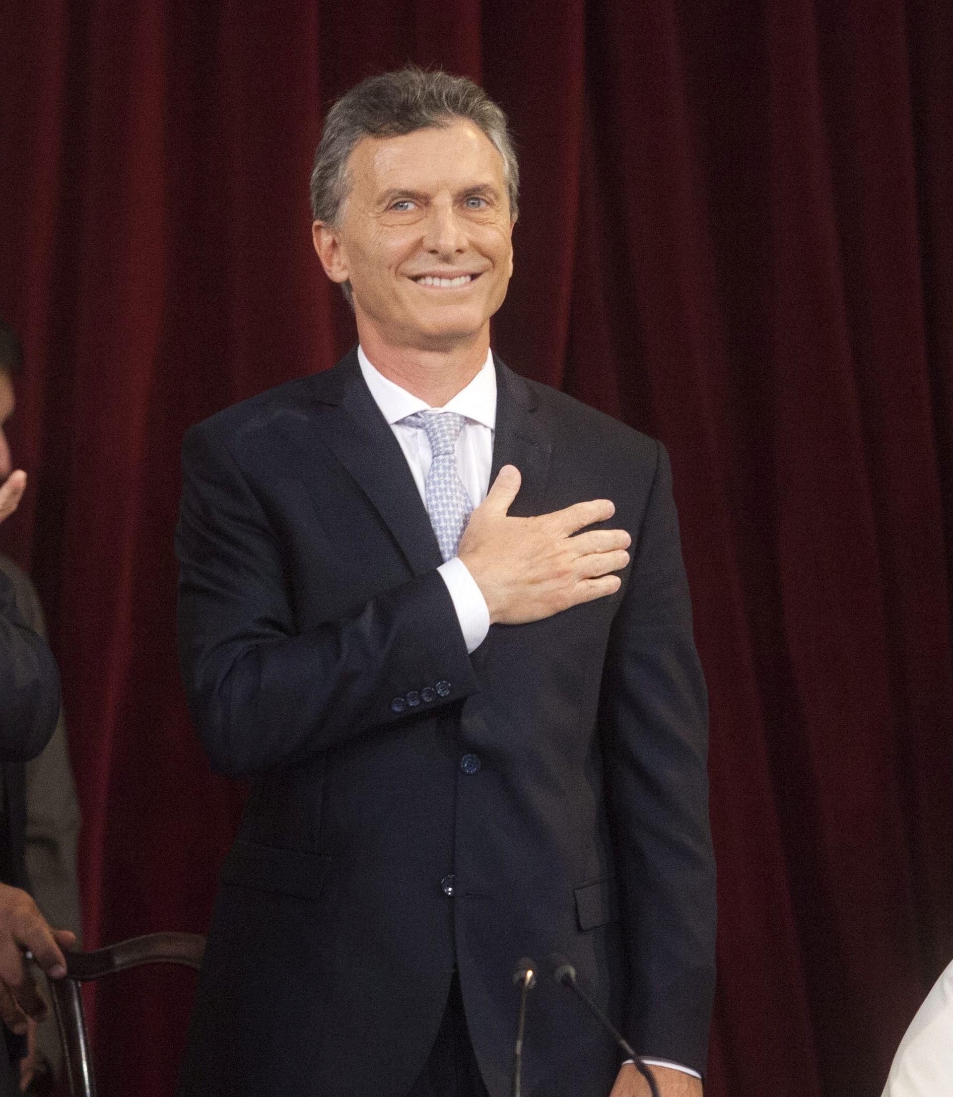 INAUGURACIJA BEZ PRETHODNICE : Macri prisegnuo, Fernandez nije došla