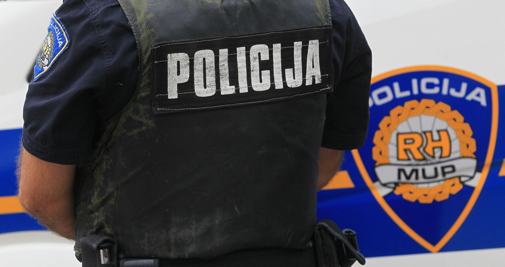Kaznena prijava zbog paljenja zastave Srbije u Kninu