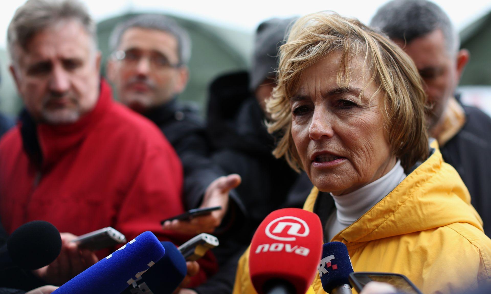 Pusić Timmermansu: 'Žilet žica' krši europske propise