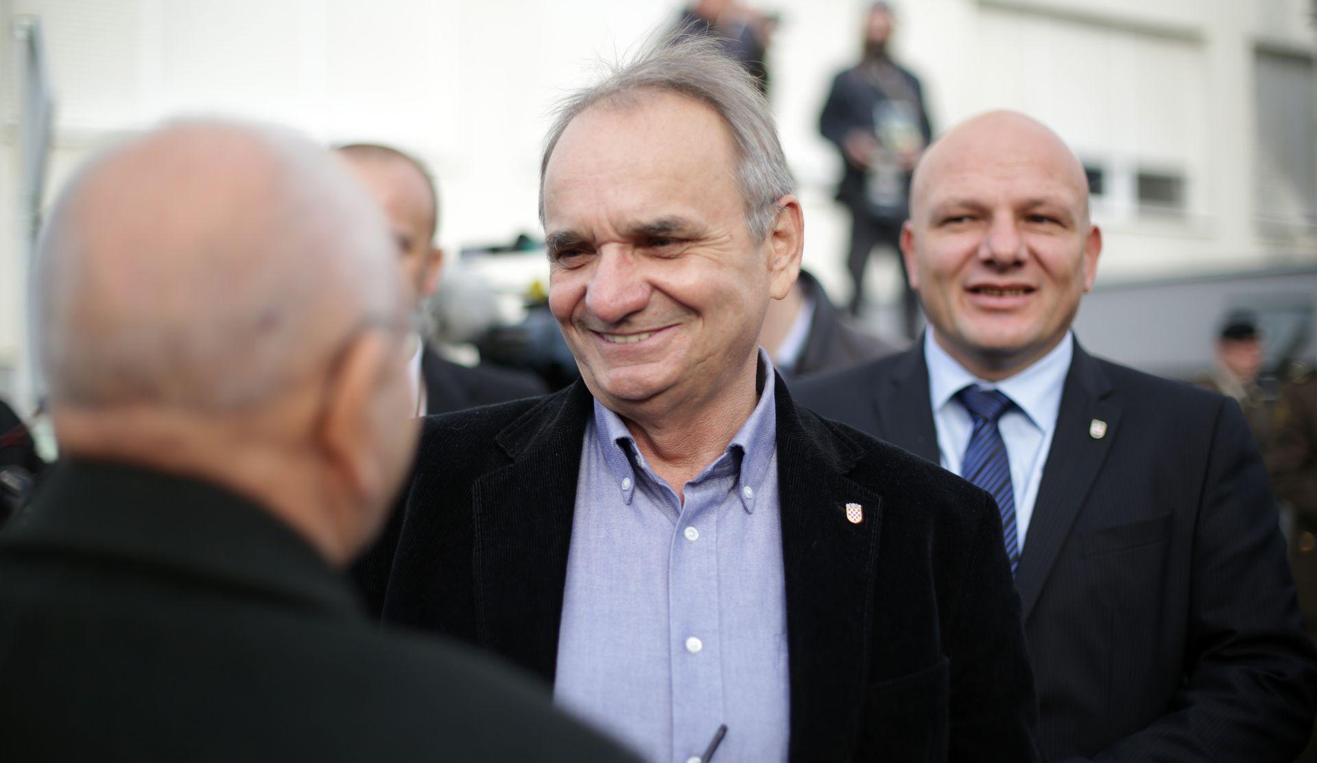 GLAVAŠ: SDP je tražio potporu za slaganje parlamentarne većine za konstituiranje Sabora, a HDZ je išao i korak dalje, tražili su potpise za formiranje Vlade