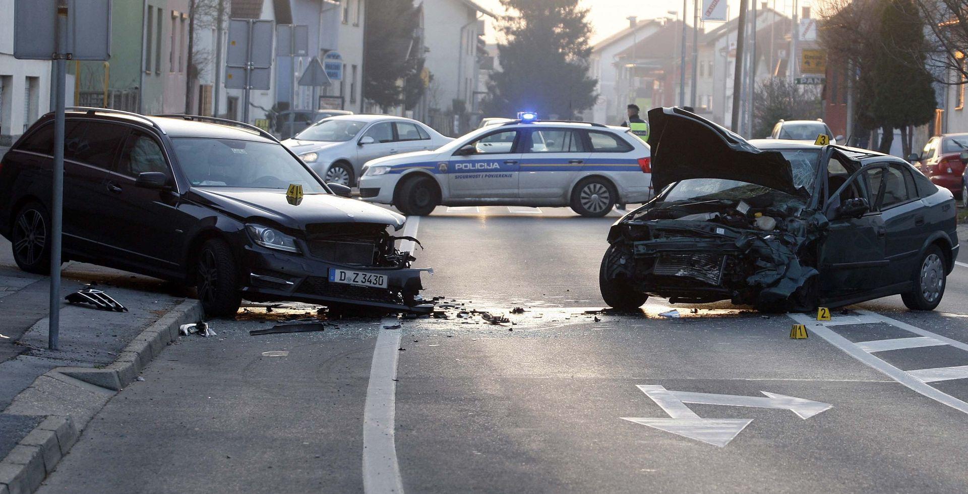 Varaždin: Jedna poginula i dvije ozlijeđene osobe u sudaru dvaju vozila