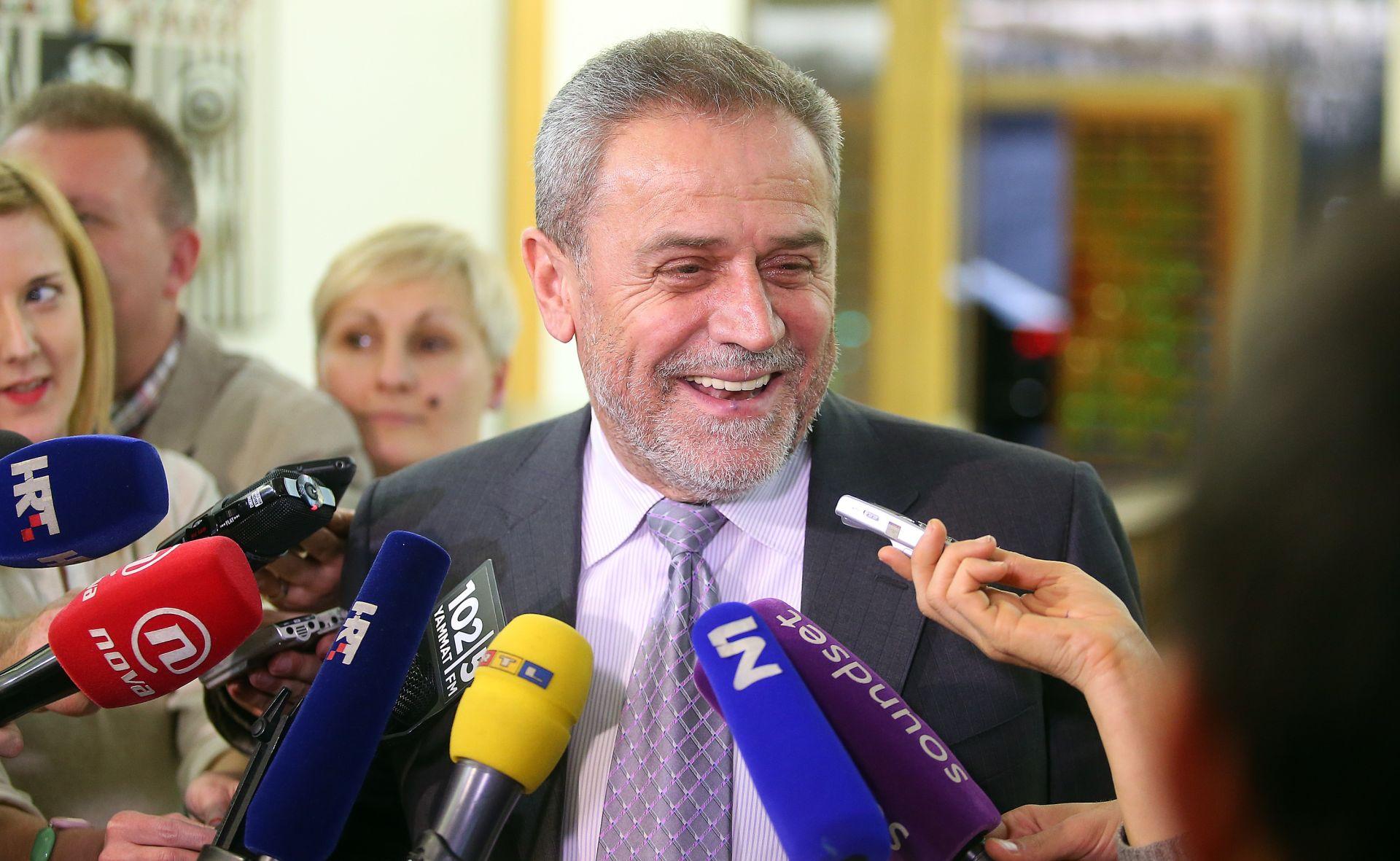 """Čačić otvoren za razgovor; Hrid nije dao bianco potporu; Bandić podržao novog mandatara: """"Mislim da se zove Orešković"""""""