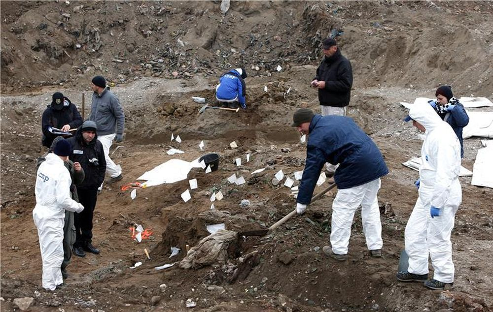U masovnoj grobnici kod Zvornika pronađeno 50 tijela ubijenih Srebreničana, pretpostavlja se da ih ima i do tisuću