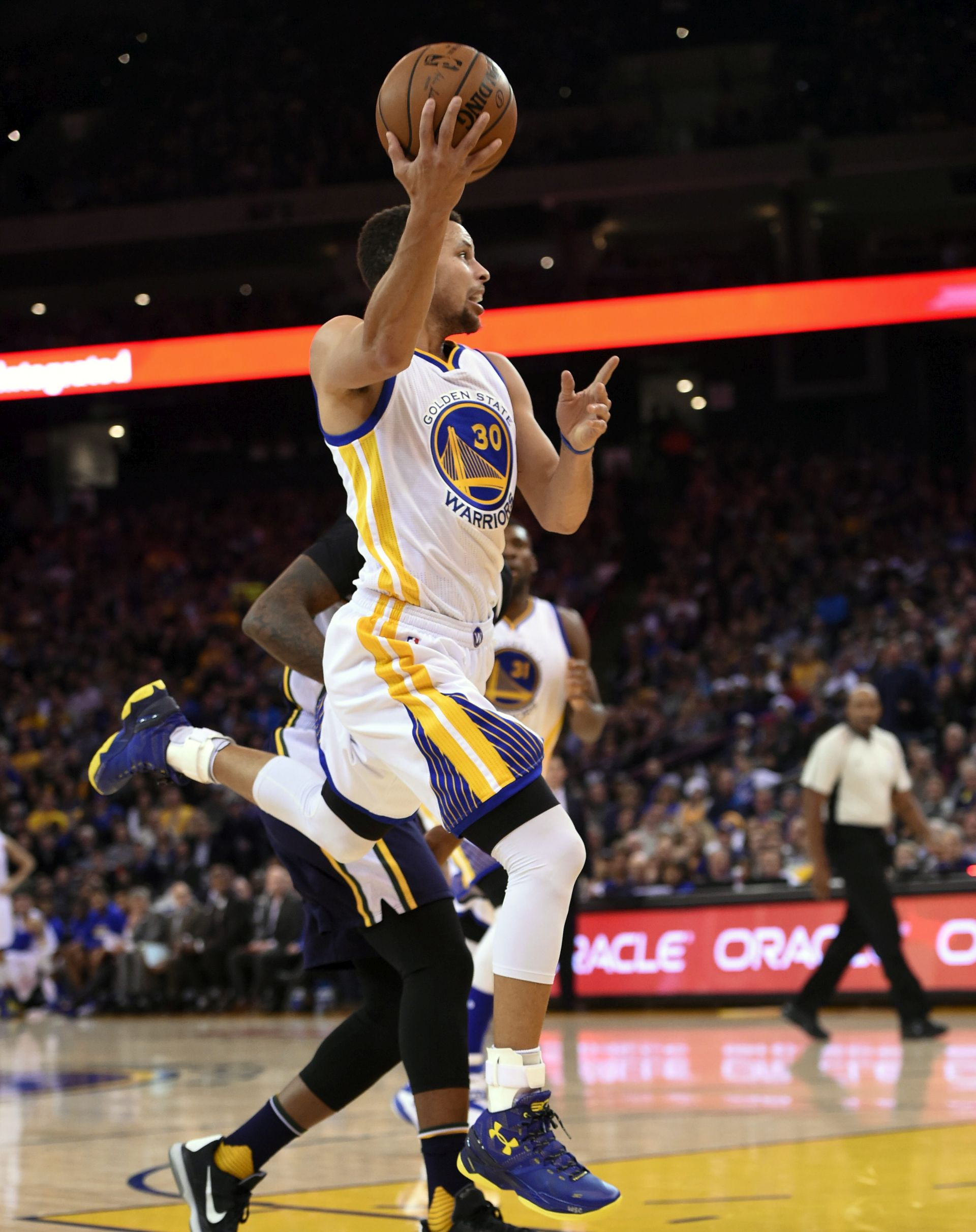 LAKŠA OZLJEDA: Warriorsi možda bez Curryja do kraja godine