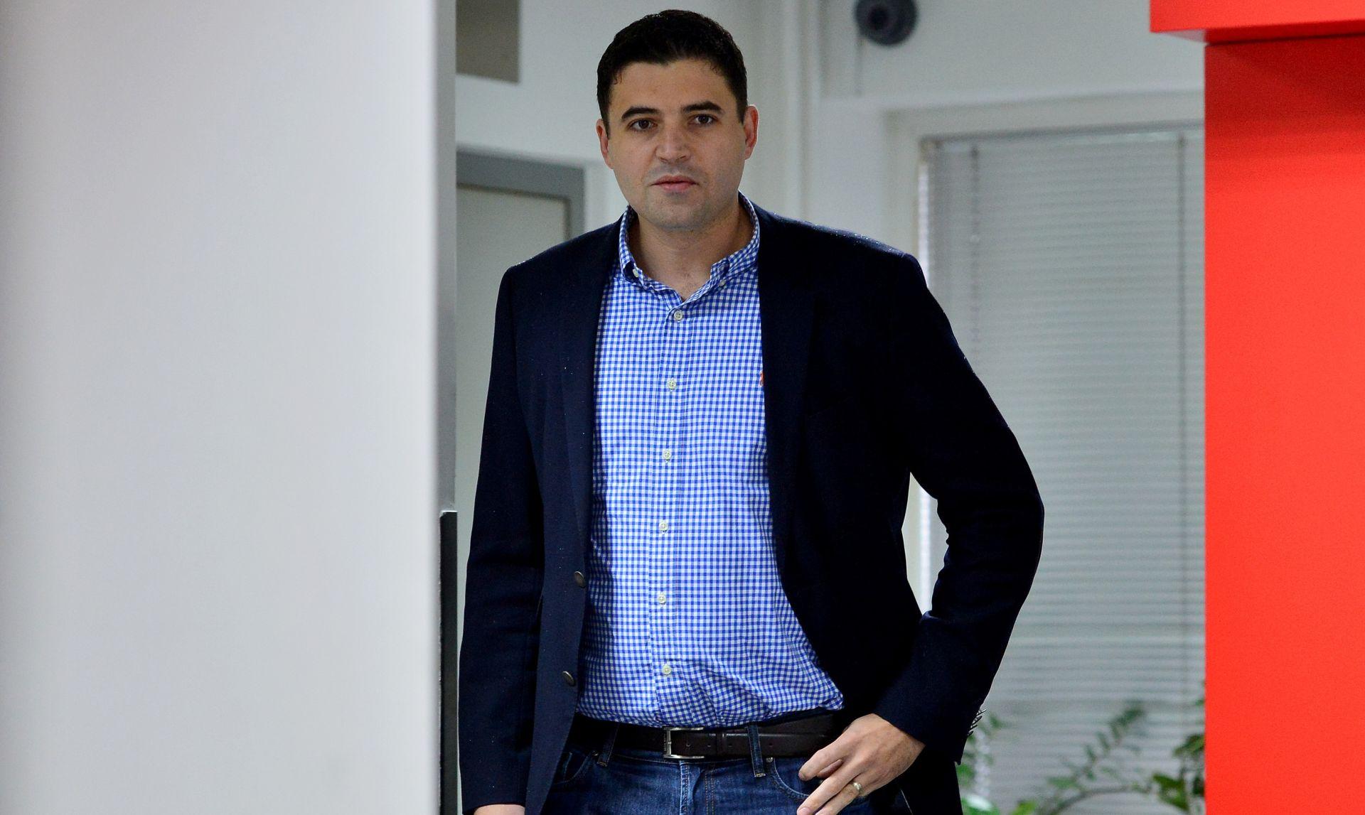 """NAKON SJEDNICE Bernardić: Ne znam je li riječ o """"političkom dealu"""" to što HDZ-ovci nisu postavljali pitanja Bandiću"""