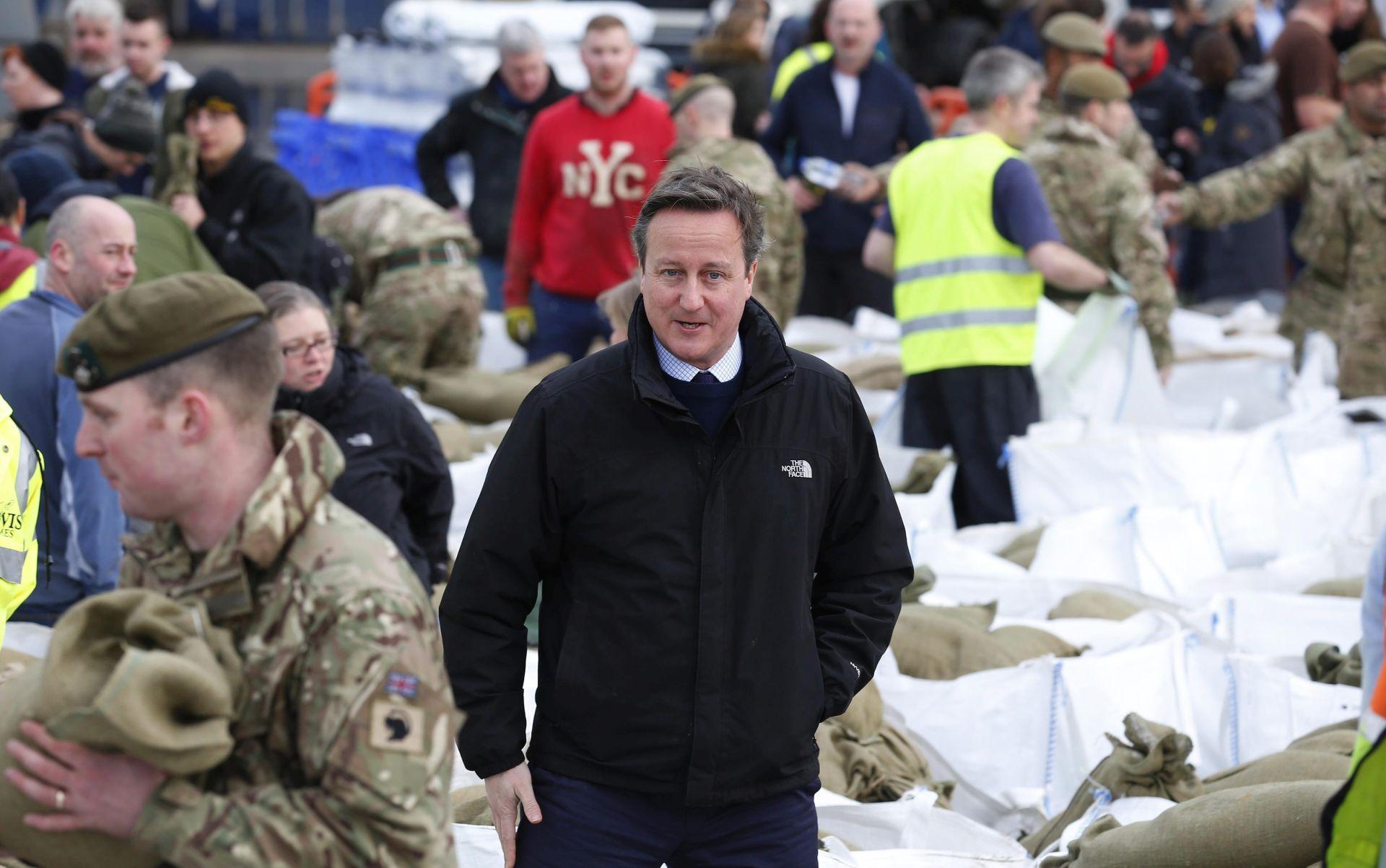 VELIKA BRITANIJA: David Cameron posjetio regije pogođene rekordnim poplavama
