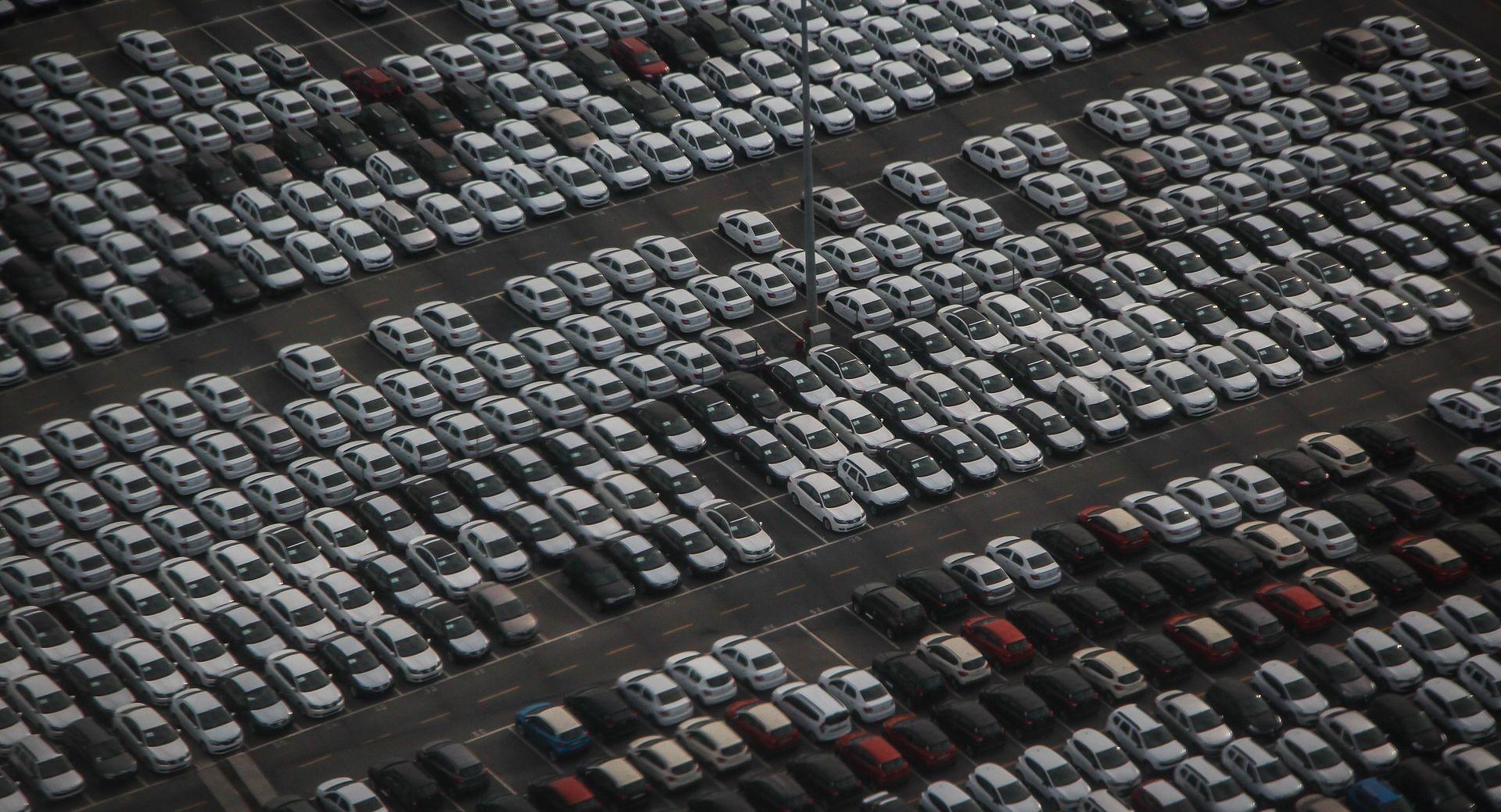Pod ovrhom ili teretom 168 tisuća vozila, 97 tisuća računala, 49 tisuća strojeva….