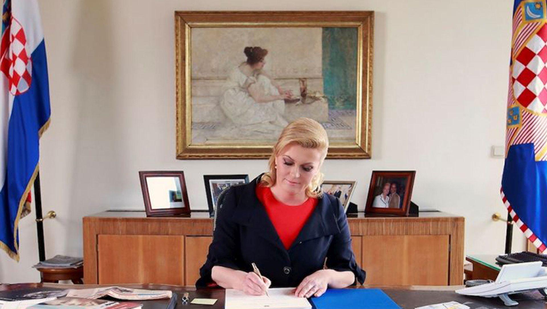 Božićna čestitka predsjednice Kolinde Grabar-Kitarović