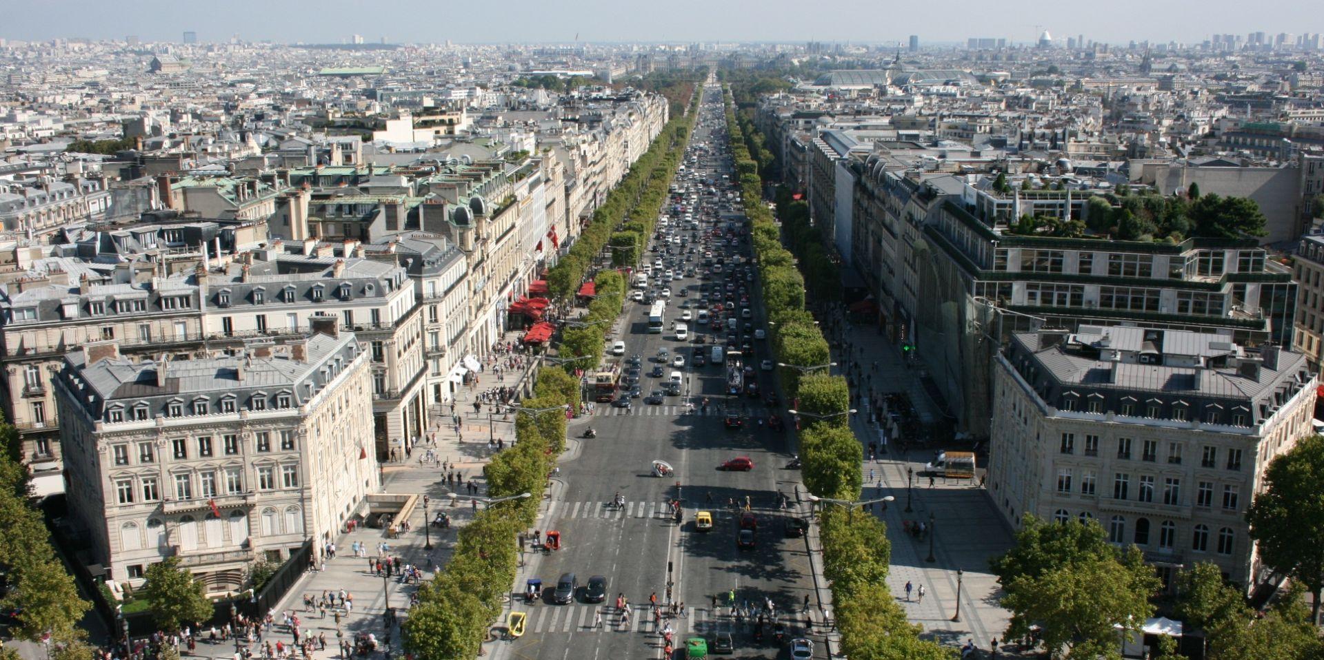 PRIJETNJE NAPADIMA Pariz sveo proslavu na najmanju mjeru