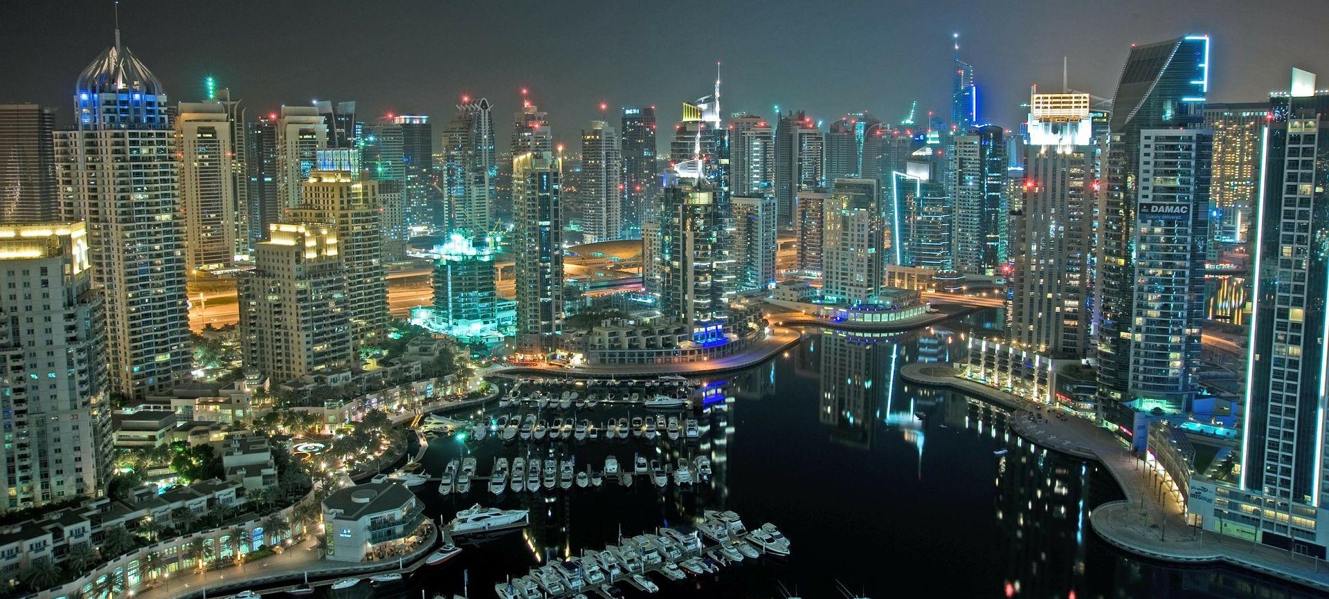 FOTO/VIDEO: VELIKI POŽAR U DUBAIJU Buknuo luksuzni hotel Address Downtown