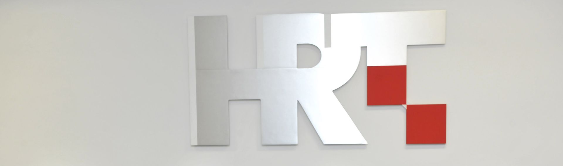 Kovačić vraća HRT-ov logotip s crvenim kvadratićima umjesto nedavnog 'jednobojnog'