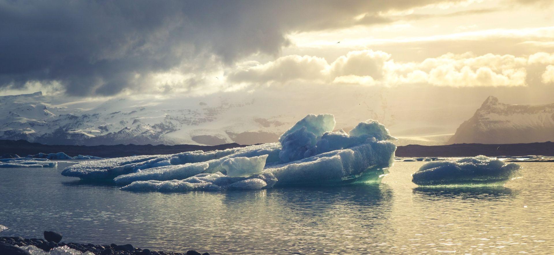 Znanstvenici: Otapanje ledenjaka usporava vrtnju Zemlje
