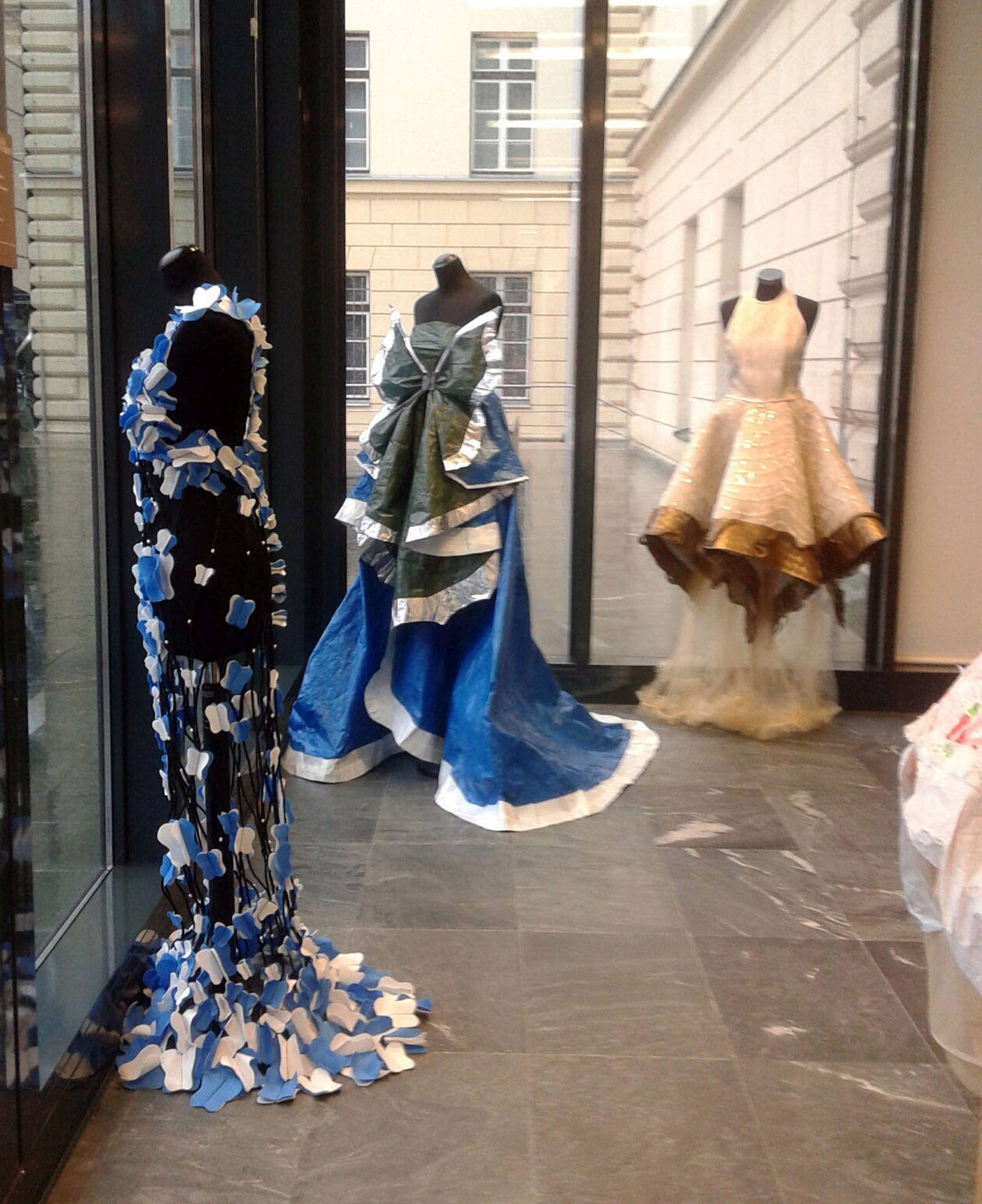 ZAOKRUŽEN PROJEKT Izložba: Modni dizajn i kostimografija u Galeriji Karas
