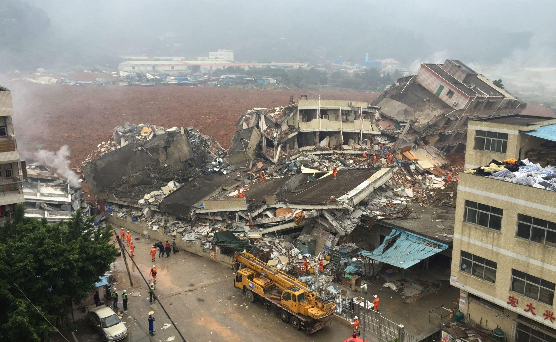 NOVI PODACI: Najmanje 91 osoba nestala u odronu u kineskoj industrijskoj zoni