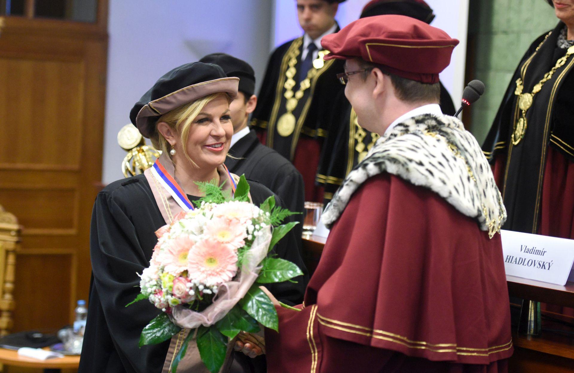 USPJEŠAN POSJET SLOVAČKOJ: Predsjednici dodijeljen počasni doktorat Sveučilišta Matej Bel