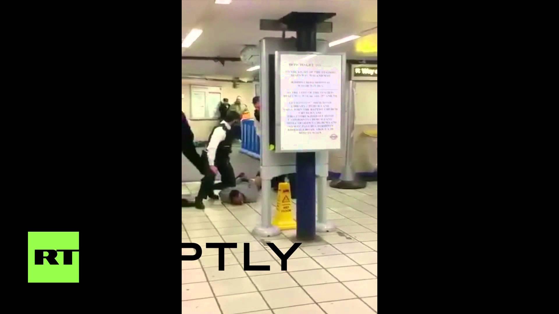 NAPAD U LONDONU: Muškarac izbo troje ljudi na stanici metroa