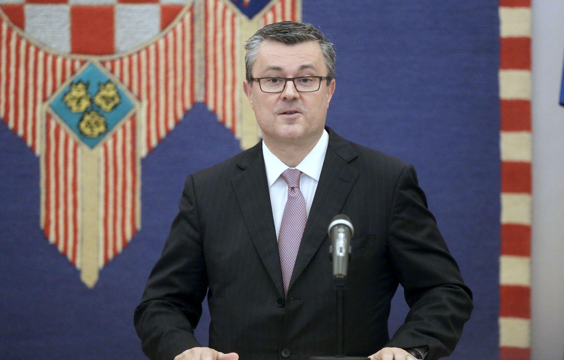 Orešković: Fiskalni sam konzervativac i politički centrist, odmah poslije Nove godine biram Vladu