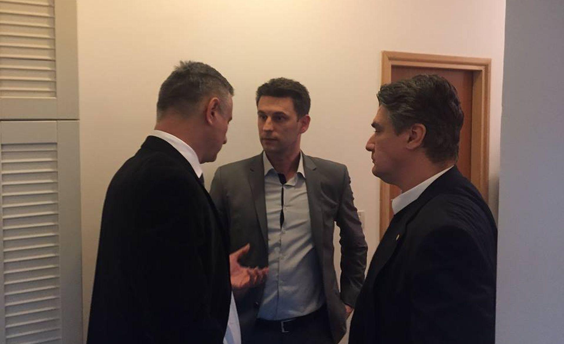 """""""DANAS BI SVE TREBALO BITI JASNO"""" Lovrinović: Objasnio odluku o pružanju nove prilike HDZ-u"""