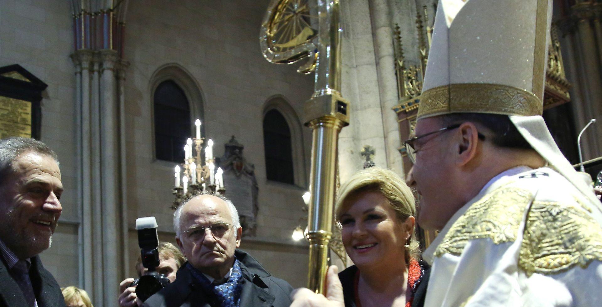 FOTO: Politički vrh na polnoćki u Zagrebačkoj katedrali