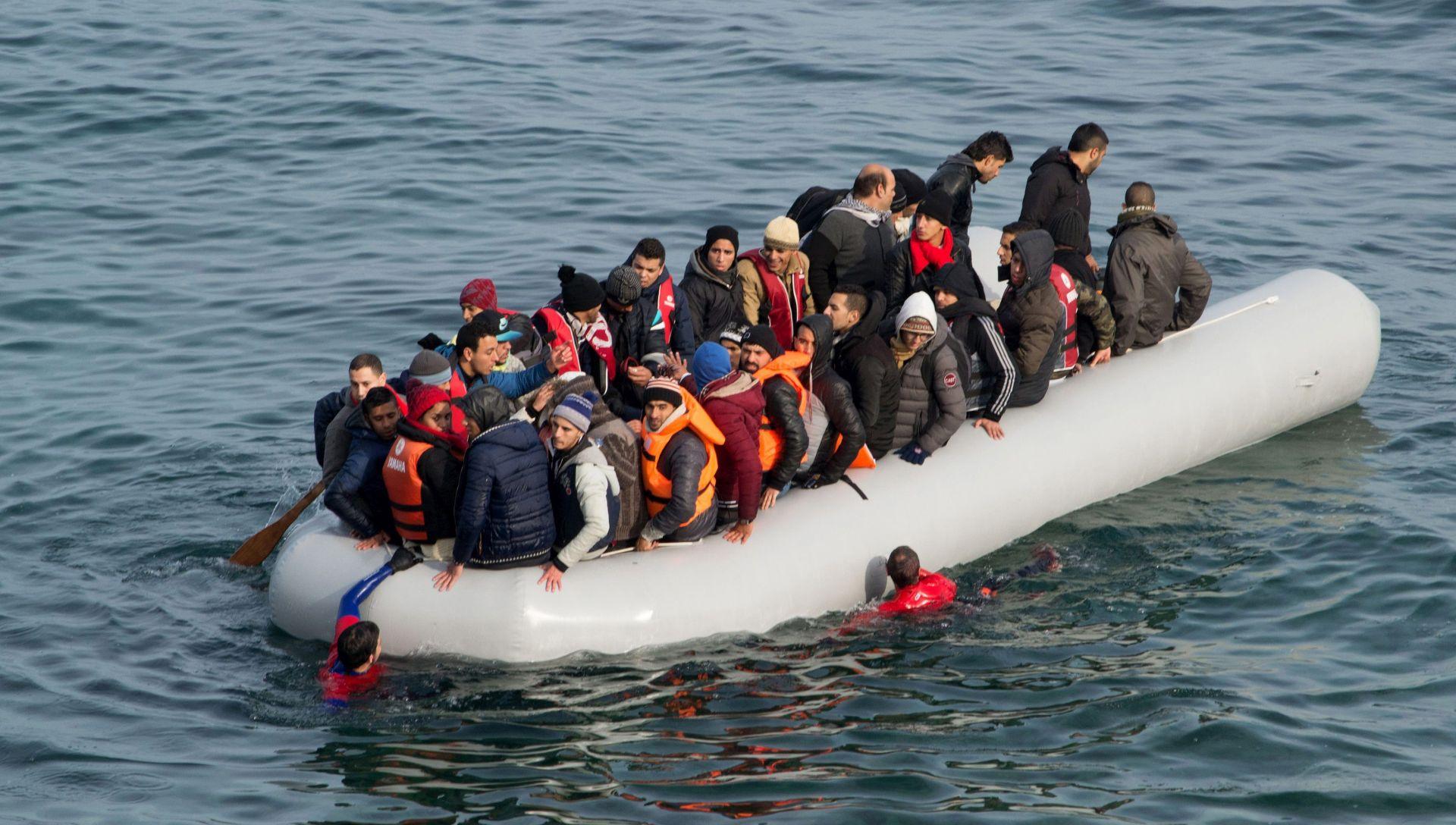 TALIJANSKA OBALNA STRAŽA: 809 migranata spašeno od utorka