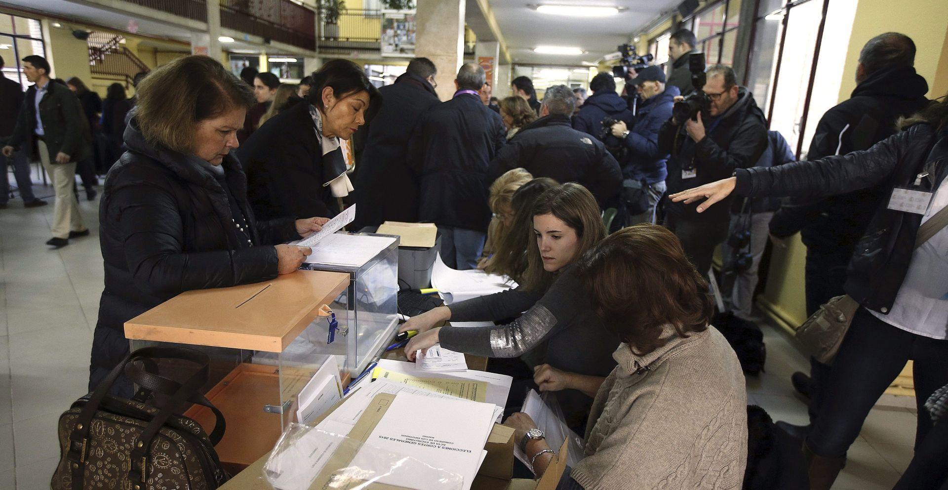 ŠPANJOLSKA: Birališta otvorena, počeli parlamentarni izbori