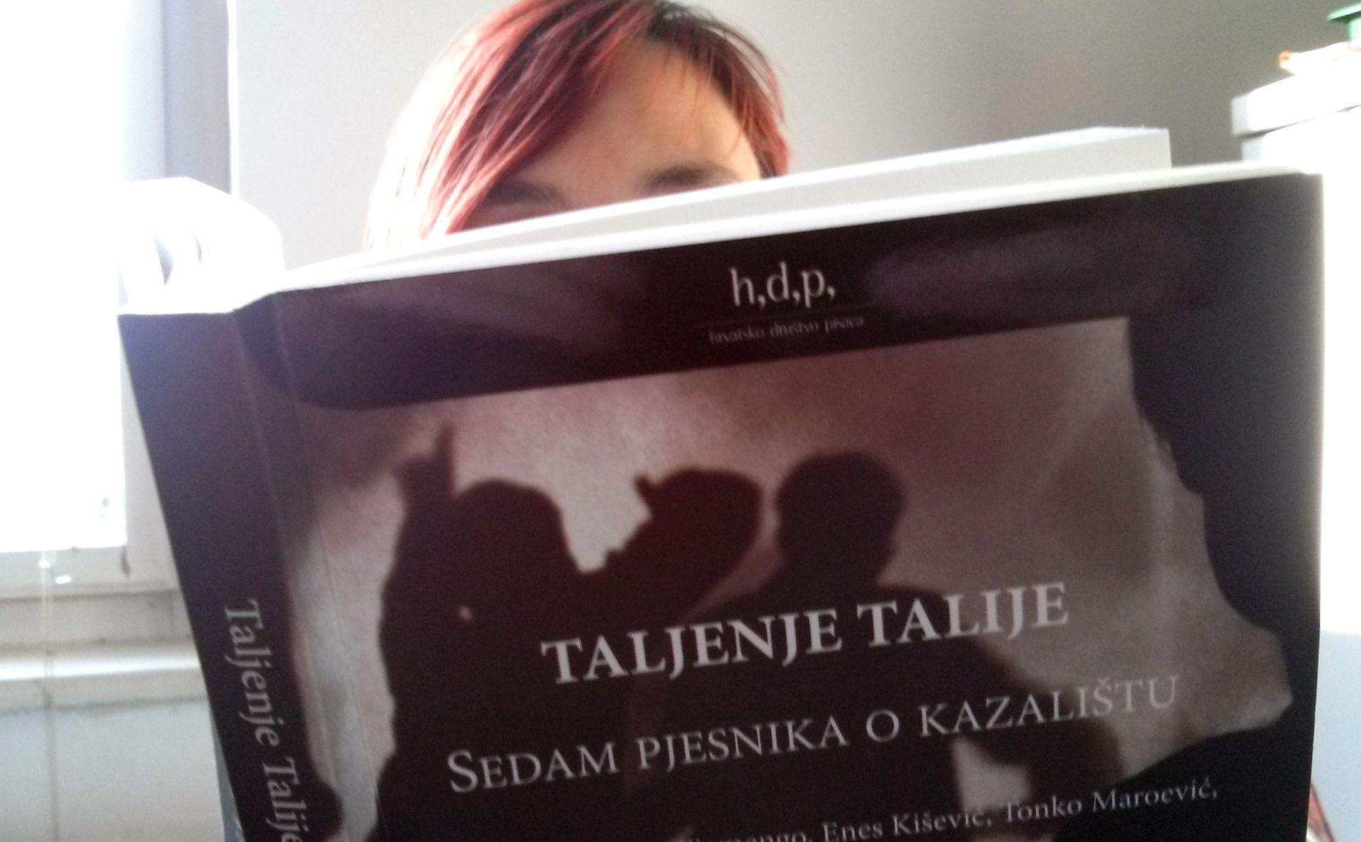 """HRVATSKO DRUŠTVO PISACA: Sedam pjesnika o kazalištu u zbirci """"Taljenje Talije"""""""