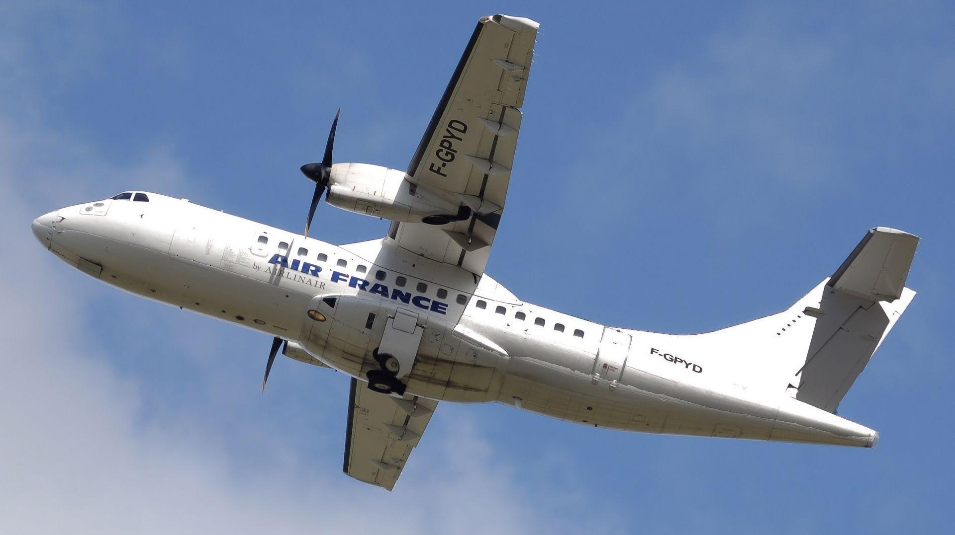 VEĆ ČETVRTA LAŽNA UZBUNA OD PARIZA Sumnjivi predmet u zrakoplovu Air Francea bezopasan