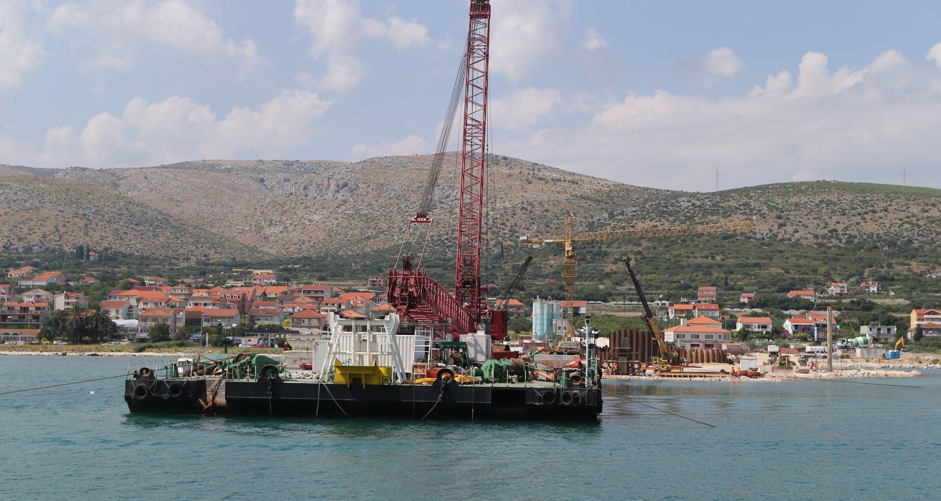 RADOVI DO KRAJA LISTOPADA: Izgradnja mosta kopno – otok Čiovo u Trogiru teče po planu