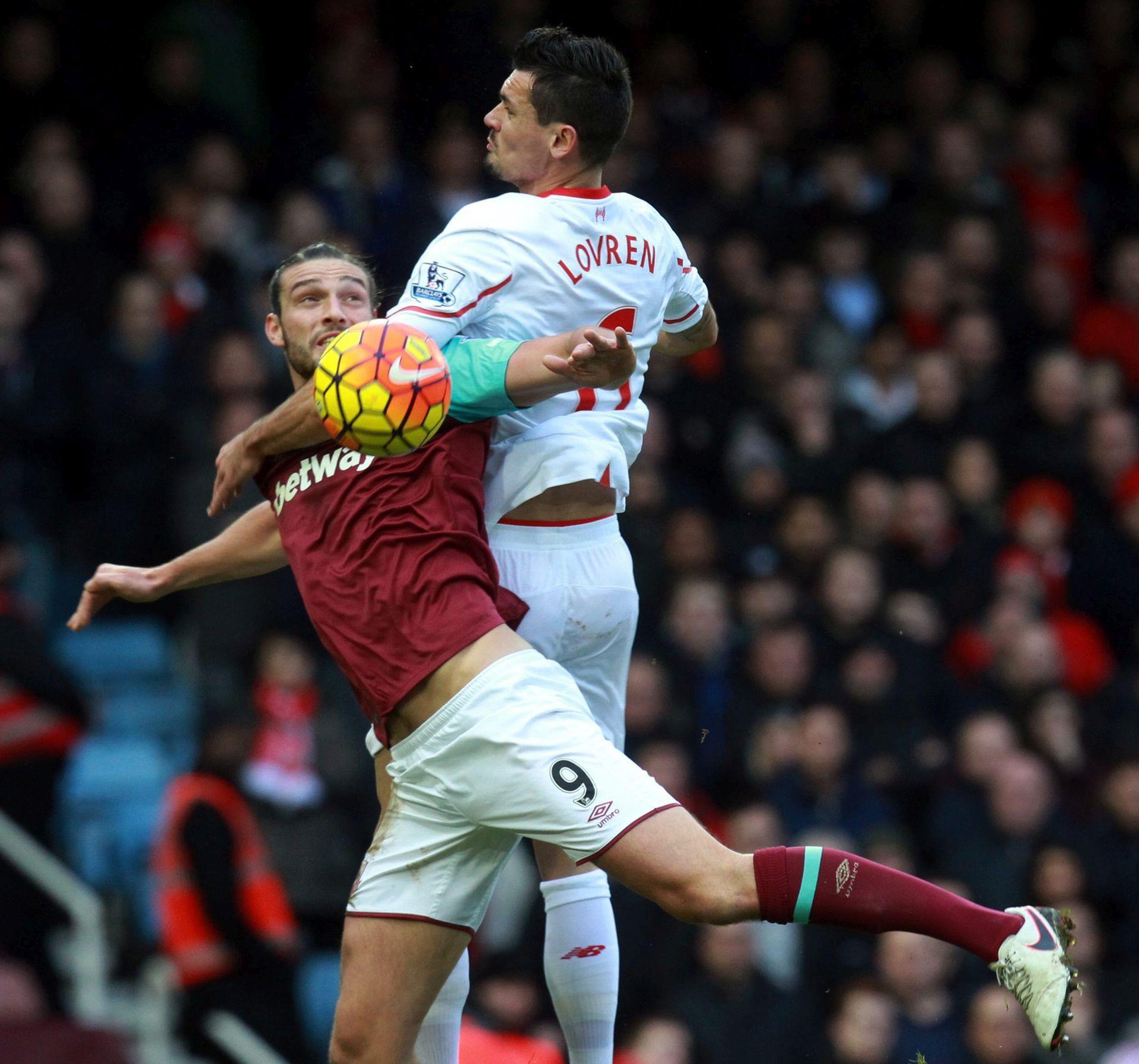 Trener West Hama potjerao s treninga Andyja Carrolla