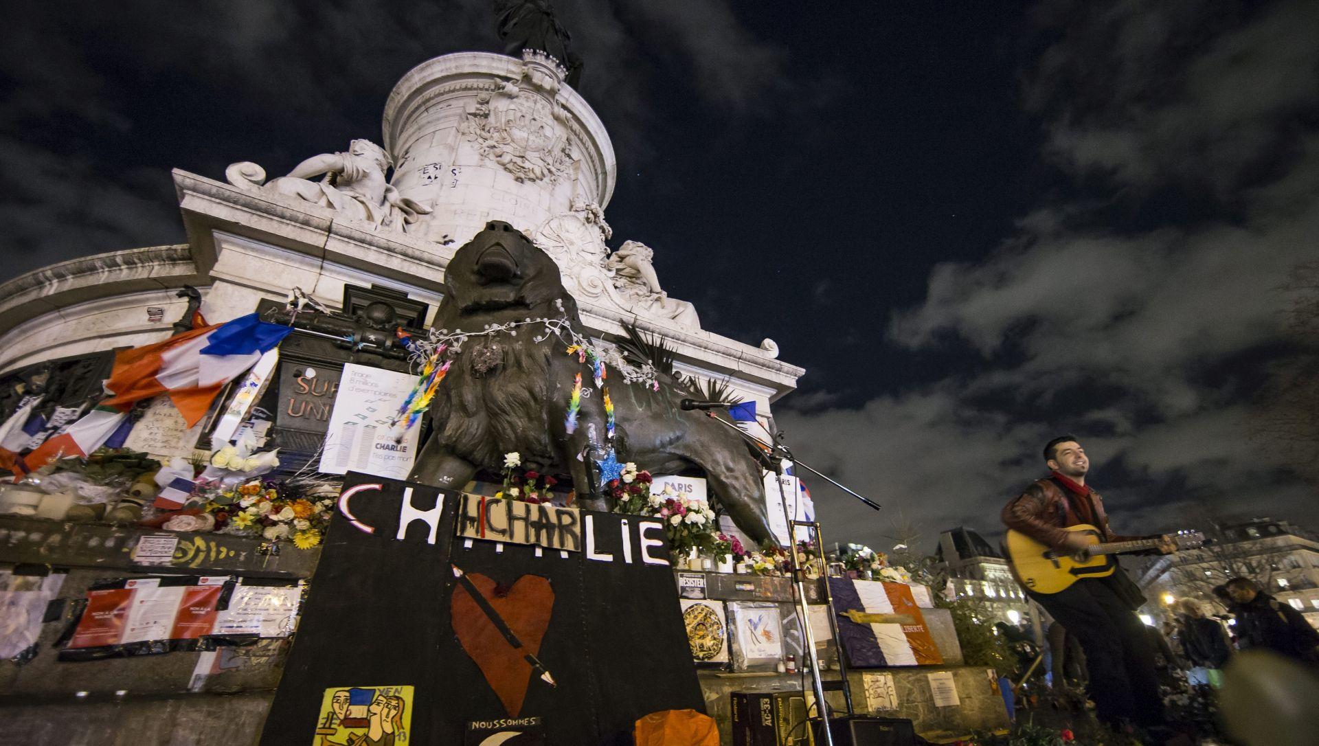 Napad na Charlie Hebdo: Policajcima i novinaru sudit će se jer su prerano objavili identitet napadača