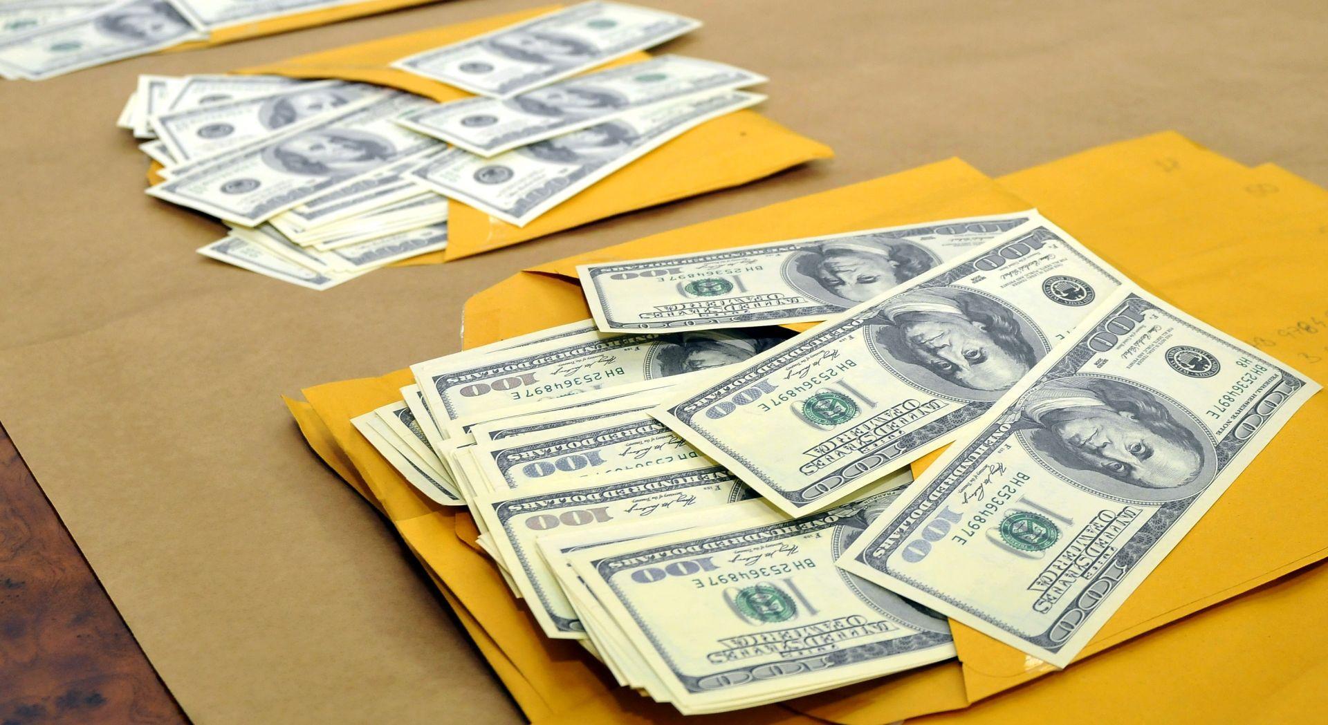 Dolar pao ispod šest kuna