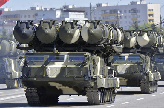 Ruski raketni sustav S-300 već je nekoliko puta javnosti prdstavljen na raznim vojnim paradama. FOTO: HANDOUT/GULIVER/GETTY IMAGES