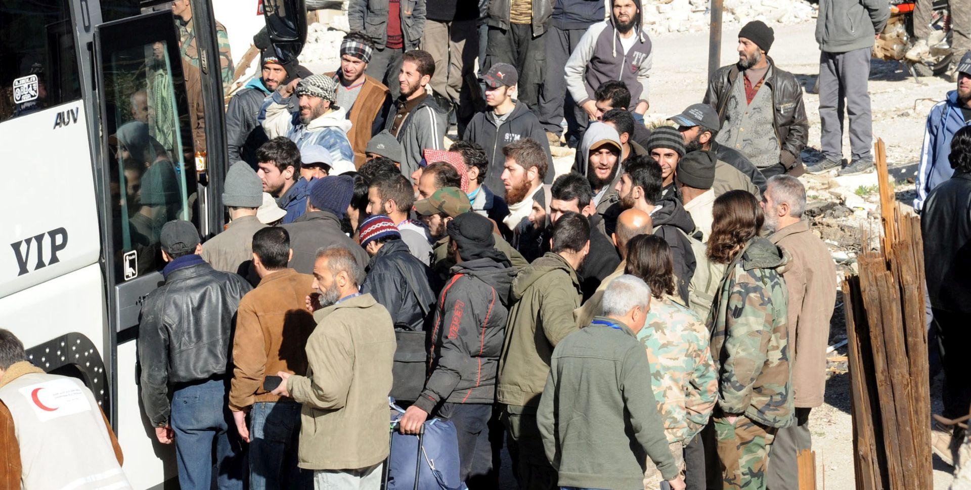 ISIL oslobodio 270 od 400 otetih civila na istoku Sirije