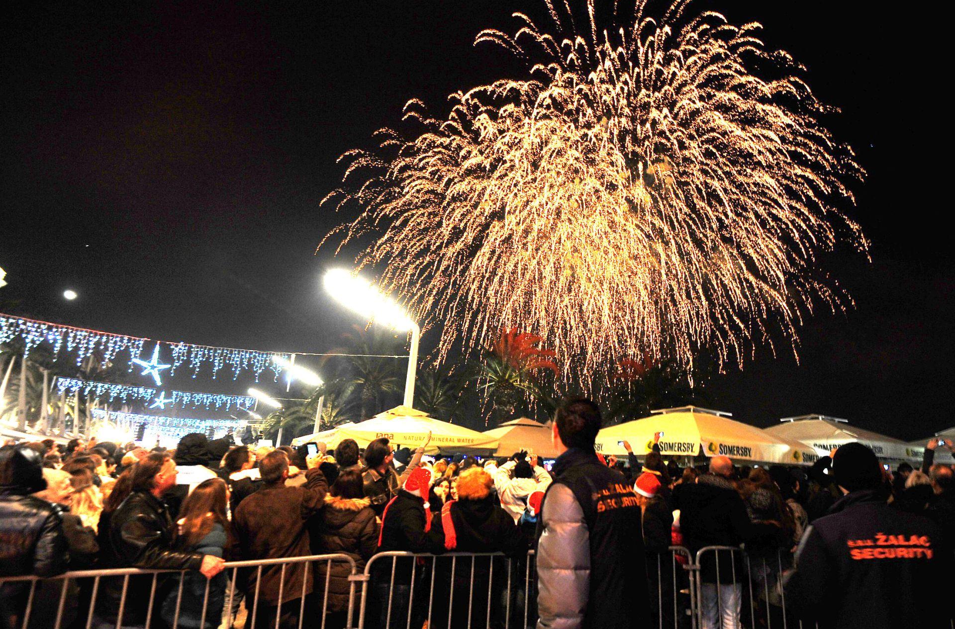 VIDEO: Prisjetimo se vatrometa na Novu Godinu