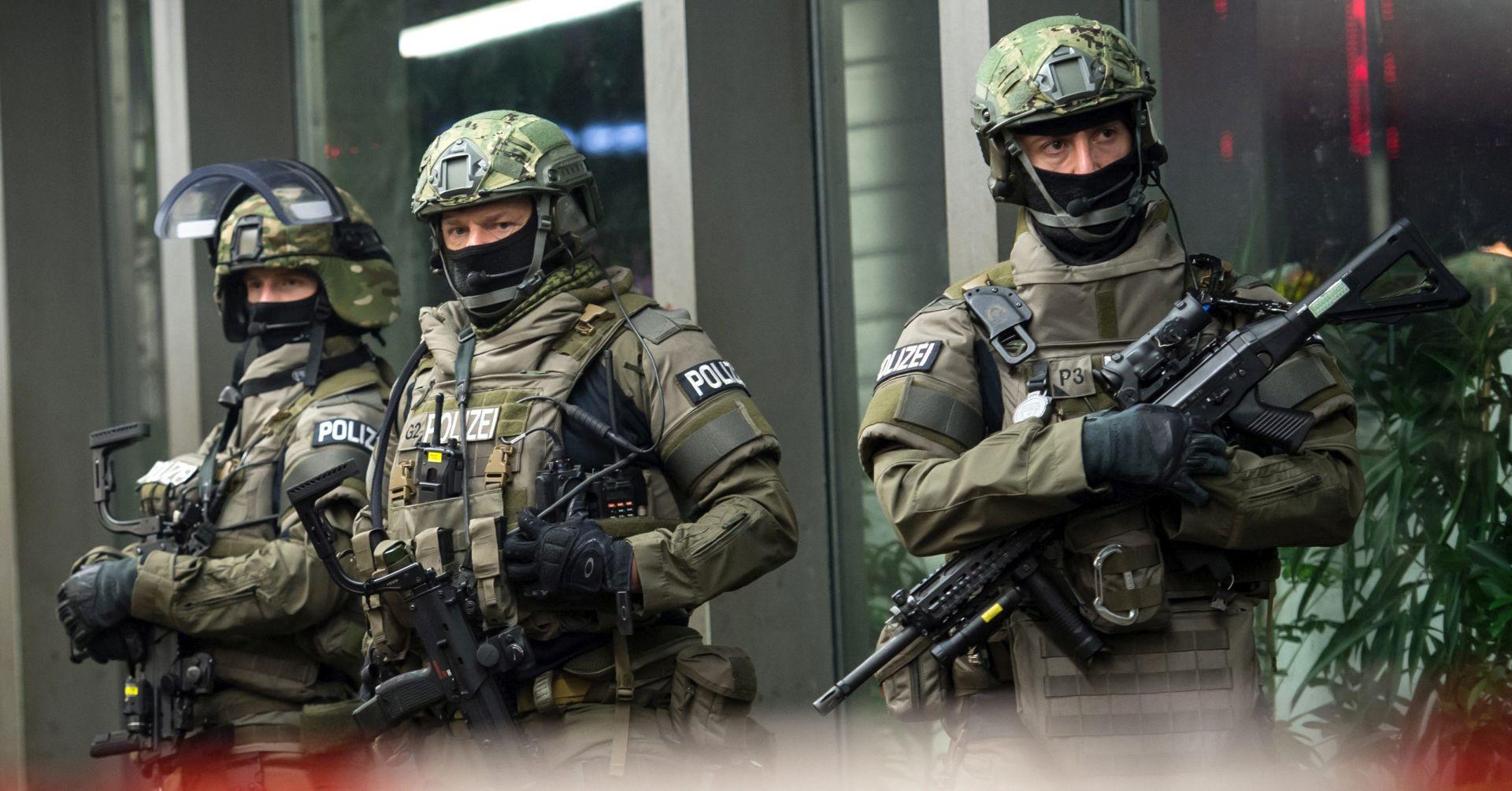 ZAUSTAVLJEN NAPAD U MÜNCHENU Njemačka policija lovi sedmero osumnjičenika, iza napada stoji Islamska država