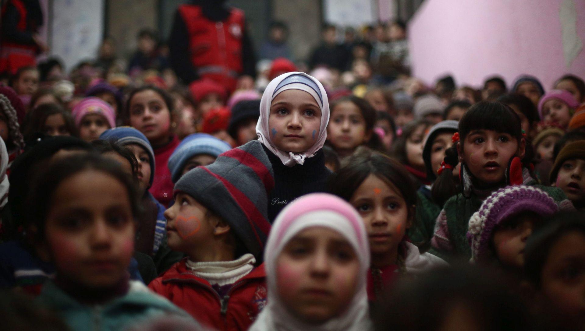 NAKON JUČERAŠNJEG NAPADA NA DEIR AL-ZOR Borci Islamske države oteli 400 civila