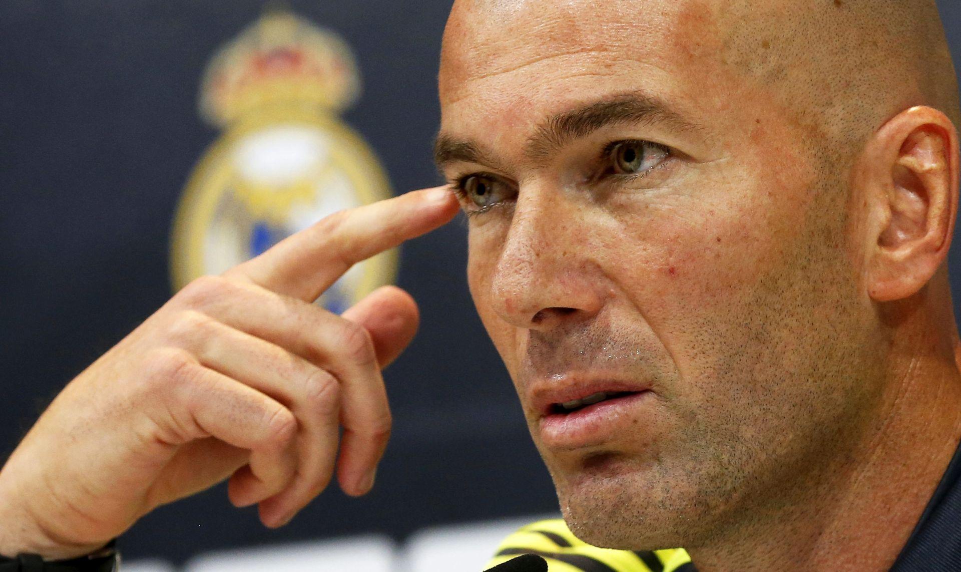 "ZIDANE UOČI PRVE UTAKMICE NA KLUPI KRALJEVA ""Cristiano je duša kluba, nema govora o transferu"""